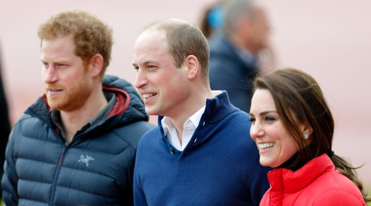 LONDON, UNITED KINGDOM - FEBRUARY 05: (EMBARGOED FOR PUBLICATION IN UK NEWSPAPERS UNTIL 48 HOURS AFTER CREATE DATE AND TIME) Prince Harry, Prince William, Duke of Cambridge and Catherine, Duchess of Cambridge join a Team Heads Together London Marathon Training Day at the Queen Elizabeth Olympic Park on February 5, 2017 in London, England. (Photo by Max Mumby/Indigo/Getty Images) via @AOL_Lifestyle Read more…