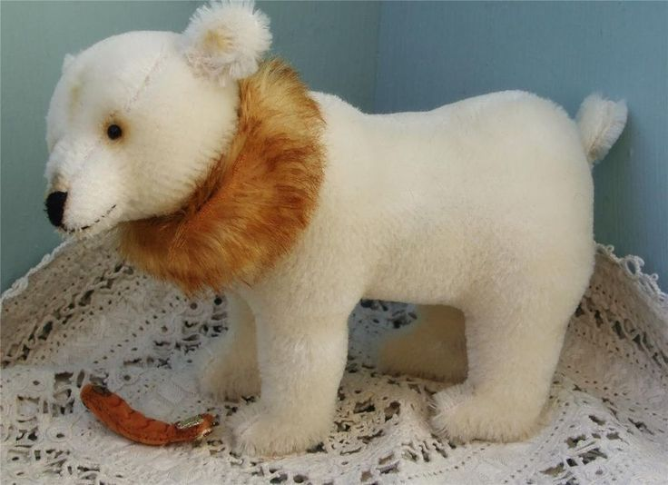 5.5 inch polar bear with fish