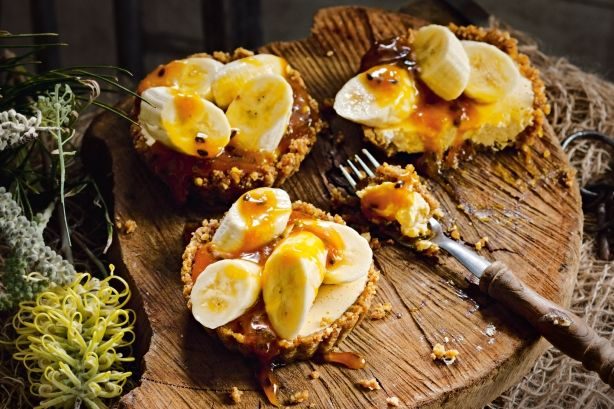 Banana and passionfruit tarts with passionfruit caramel