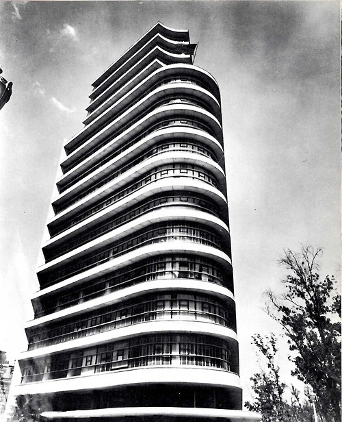 Edificio de la Embajada Americana, México DF, 1951    Arqs. Mario Pani y Jesús Garcia Collantes - Office building of the U.S. Embassy, Mexico City, 1951