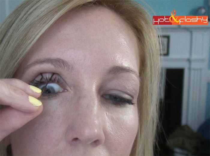 Easy Instant Eyelid Lift Without Surgery!