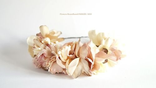 Flowers Headband for a chic wedding! www.eliurpi.com