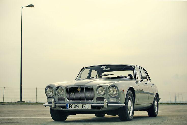 Jaguar xj6 - 1969 (  Mihai Dăscălescu / Mediafax Foto  ) - See more at: http://zoom.mediafax.ro/sport/masini-11154091#sthash.BgNeIELS.dpuf