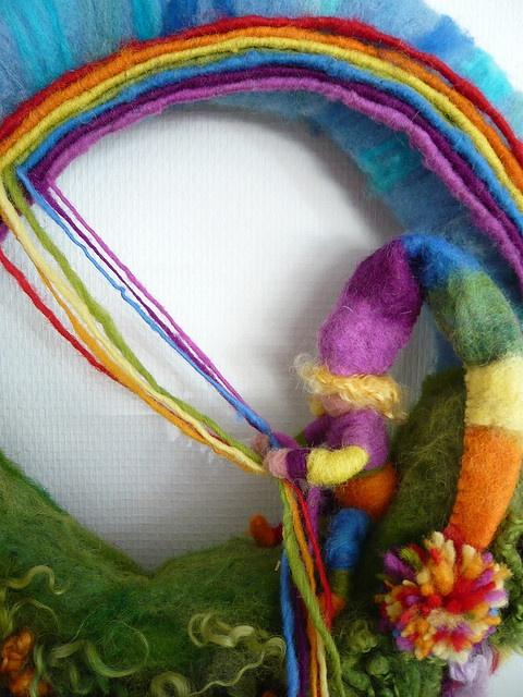 a rainbow dream in felt - from seizoentafel on flickr (sorry no tutorial)