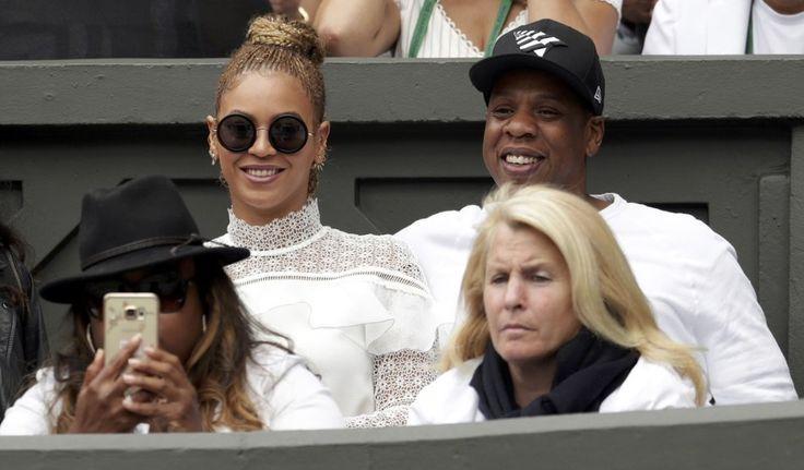 Serena Williams kroonde zich zaterdag tot de koningin van het gras op Wimbledon, maar ook in de tribune was een koningin aanwezig. Queen B, ofte Beyoncé, n...