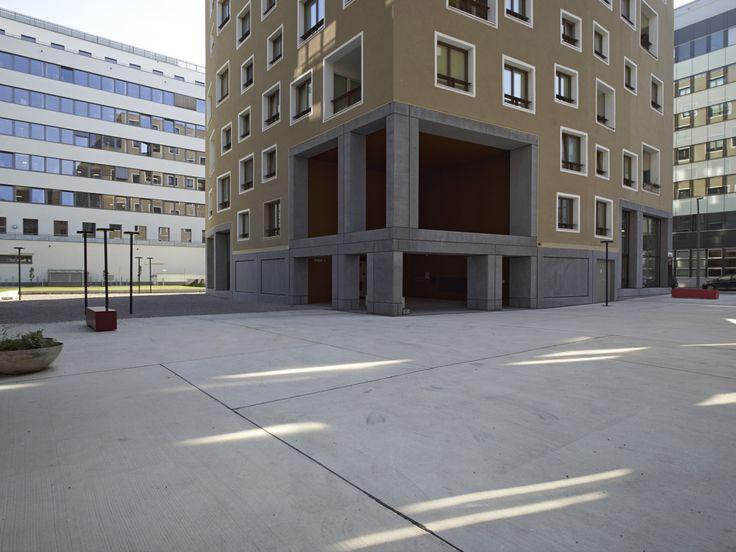 Werner Neuwirth, von Ballmoos Krucker & Sergison Bates - PaN-Wohnpark, a housing development with shades of the Smithsons, Vienna 2014. Via, 2, photos © Stefan Müller.