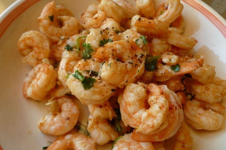 Рецепты: Запеченные креветки с чесноком и красным перцем
