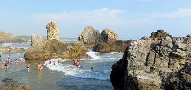 Las Peñas, Playa Azul.
