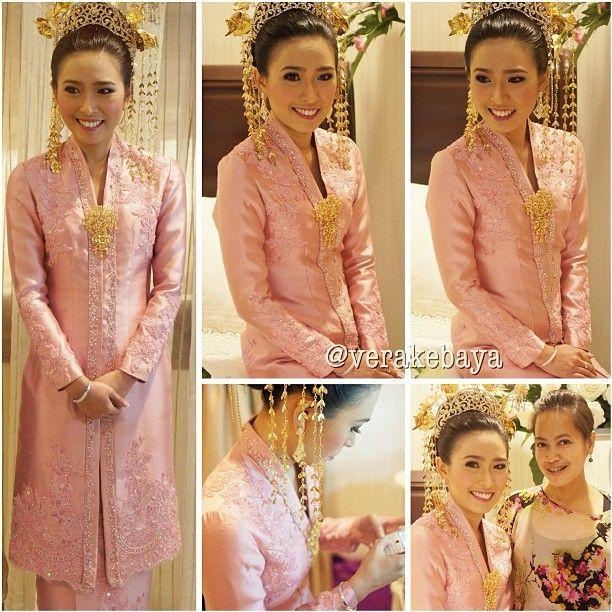 #malamberinai #berinai #melayu #wedding #weddingdress #pink - verakebaya @ Instagram