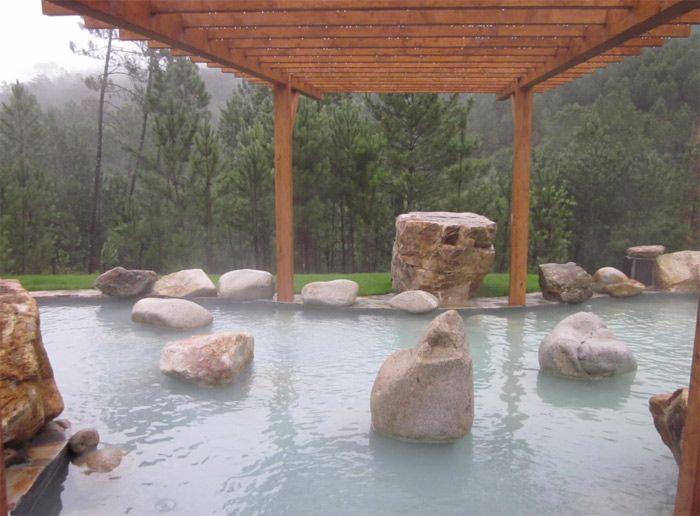 Visitando Ribadavia no se puede olvidar las aguas termales de ambientación japones en #Galicia