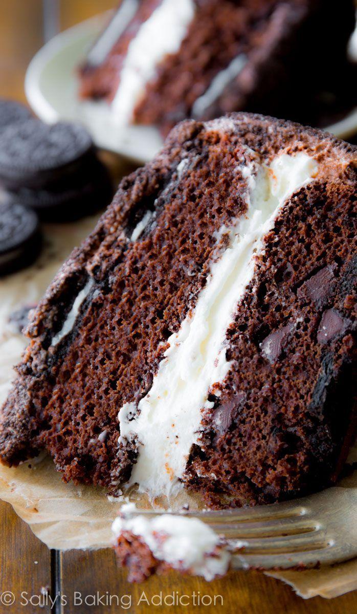 It really doesn't get any better than this.   sallysbakingaddiction.com   #oreos #cake