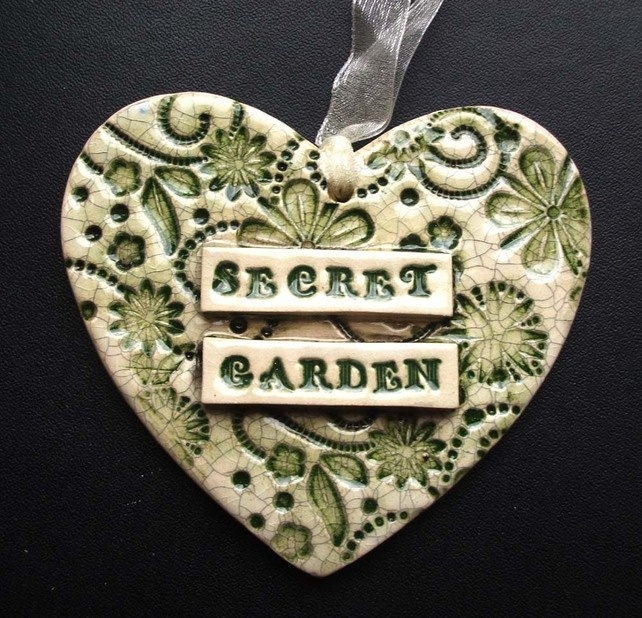 ceramic Secret Garden heart decoration  £7.00