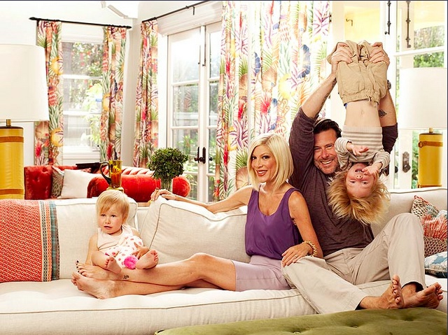 Tori Spelling & her fab family !!!!!