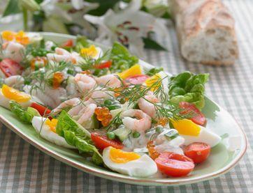 En dejlig salat med masser af fisk