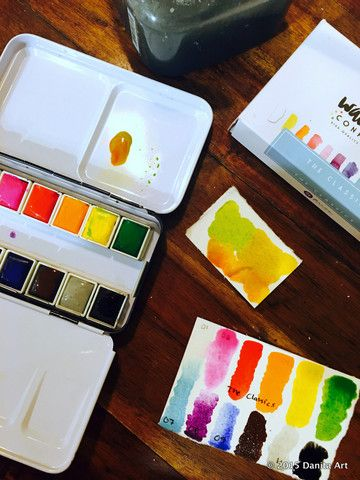 I also love the fact that it has a ring so you can use it as a palette in your hand without the need to put it in a flat surface.  Prima Marketing Watercolor Confections