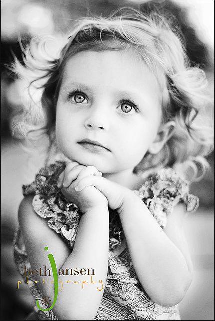 Beth Jansen Photography  bethjansenphotography.com - What a gorgeous little girl!