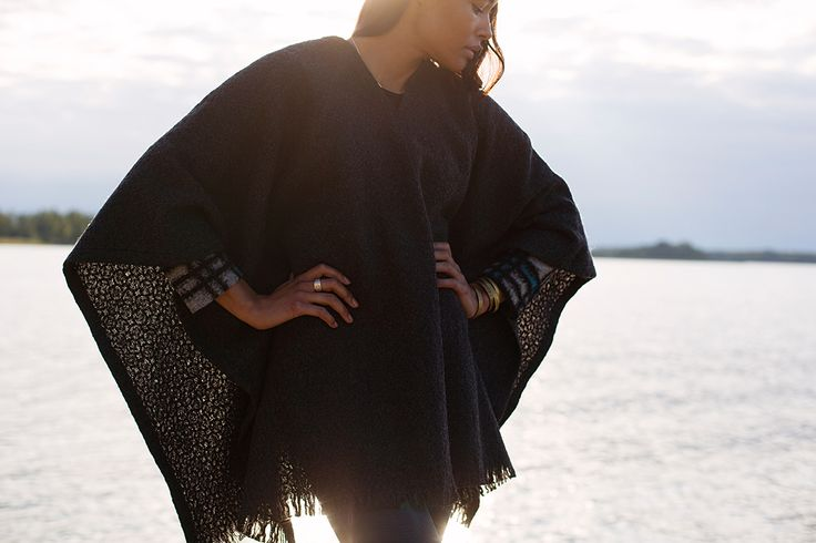 CORONA UNI poncho. 100% wool. Woven in Finland by Lapuan Kankurit.