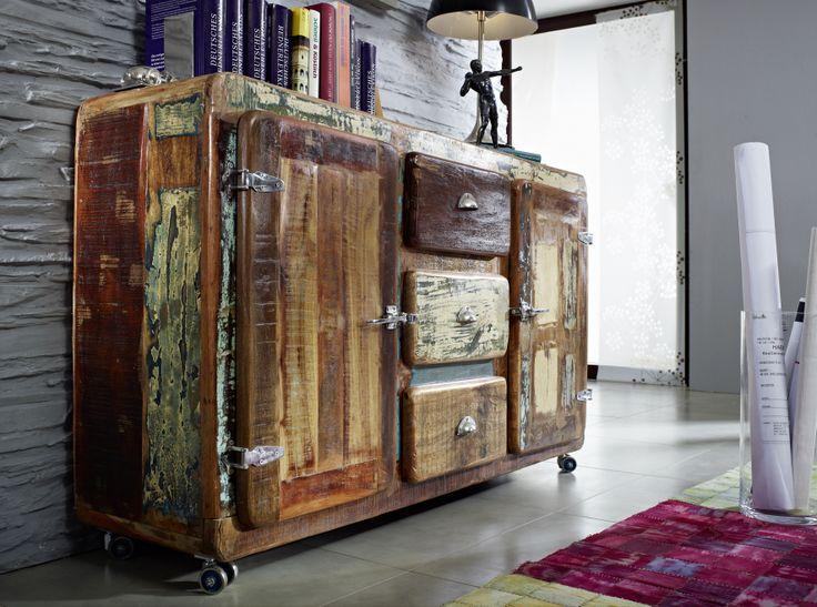 wenn sich eiserne metallaufschl ge und indisches altholz. Black Bedroom Furniture Sets. Home Design Ideas