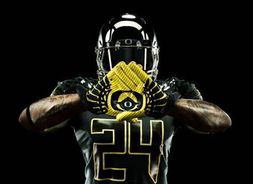 Oregon Just Unveiled The Crazy Stormtrooper Uniforms They're Going To Wear In The Rose Bowl AWESOME!