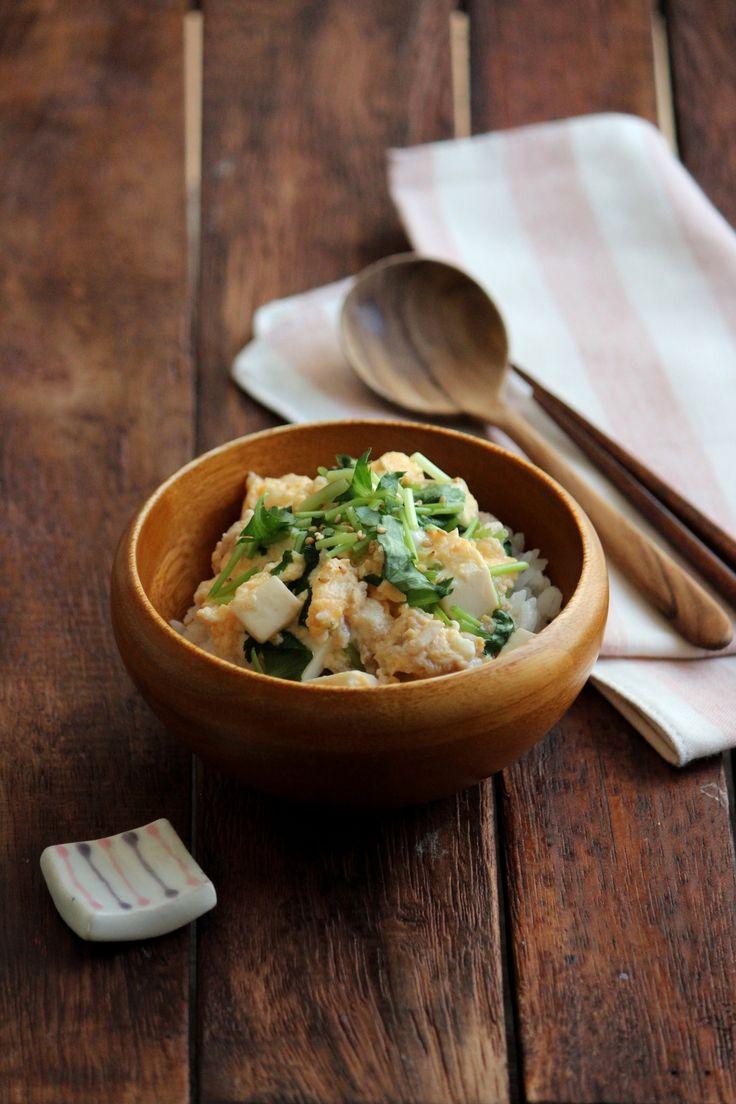 鶏と豆腐の卵とじ丼。 by 栁川かおり   レシピサイト「Nadia   ナディア」プロの料理を無料で検索