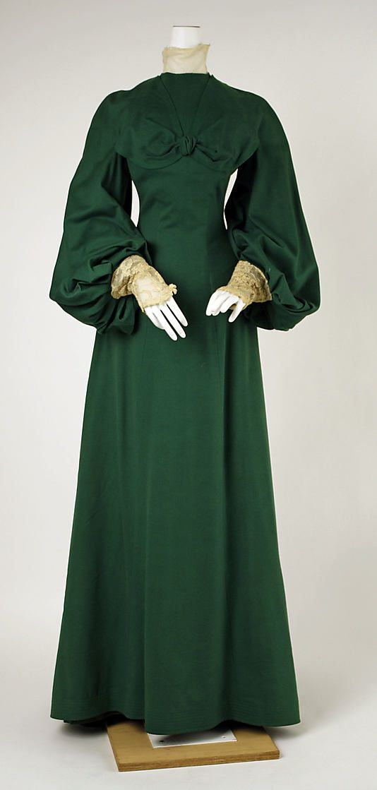 Dress, Walking.  House of Worth (French, 1858–1956).  Date: ca. 1902. Culture: French. Medium: wool. Dimensions: Length at CB: 66 in. (167.6 cm).