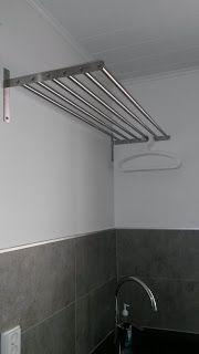 Ikean grundtal-kuivausteline (säädettävä), mahtuu noin yksi koneellinen pyykkiä