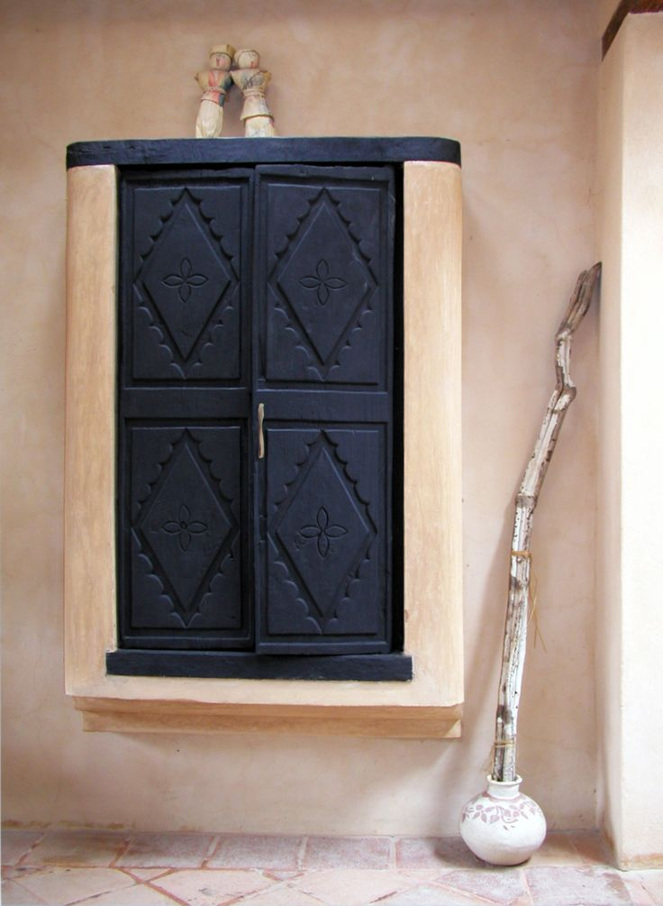 Welcome to book ARTIST HOUSE CASA TINTANATIVA. Pantry with antique mayan doors.