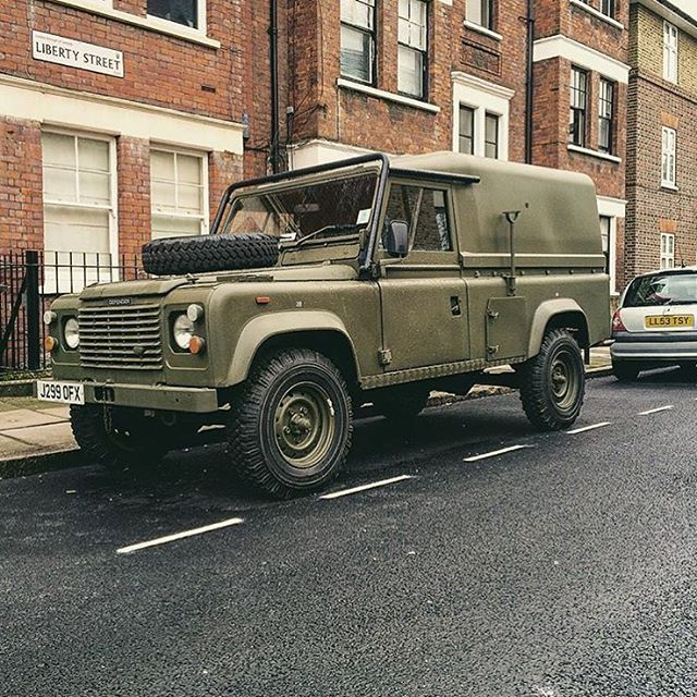 Military Land Rover Discovery 1995