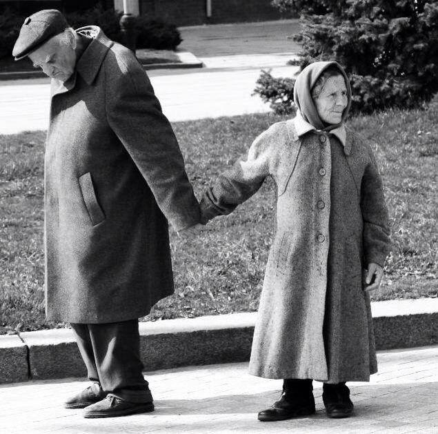 """""""Je ne sais où va mon chemin, Mais je marche mieux quand ma main serre la tienne."""" Friday we're in love."""