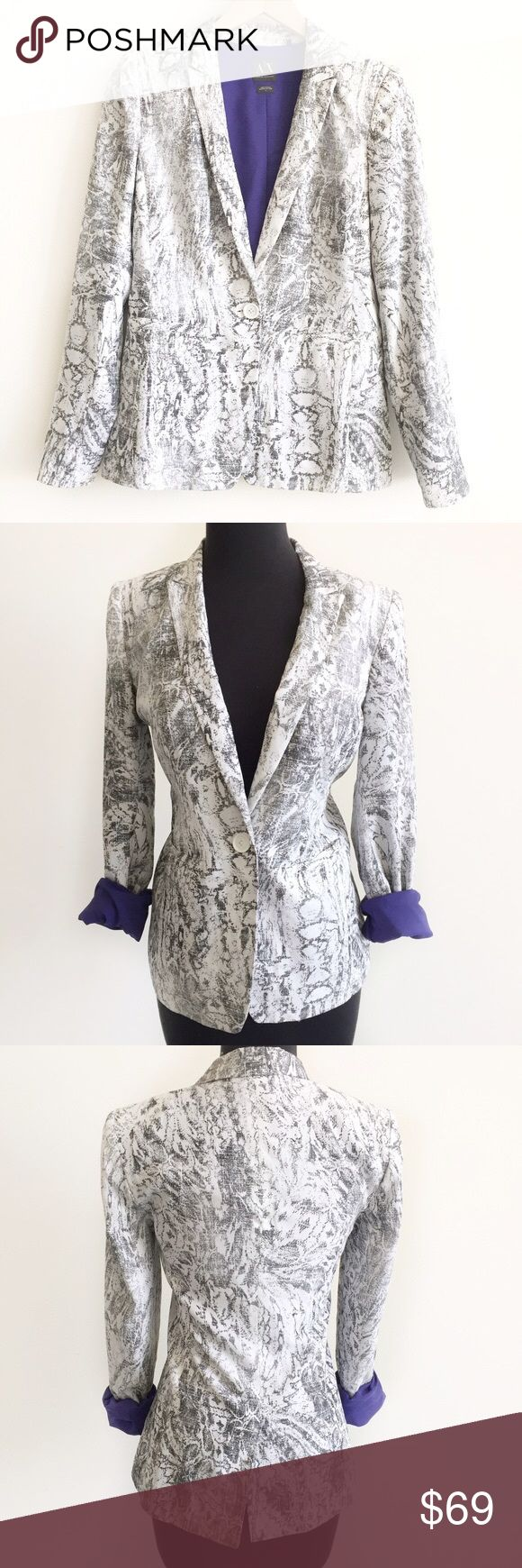 """Armani Exchange Carey Floral Sketch Print Jacket Stylish blazer from Armani Exchange in black and white floral sketch print. Features notched lapel, single button closure, hips pockets, long sleeve and back slit. Fully lined in blue fabric. Can be worn with sleeves rolled up for a pop of color.   • size 2 • 34"""" bust 