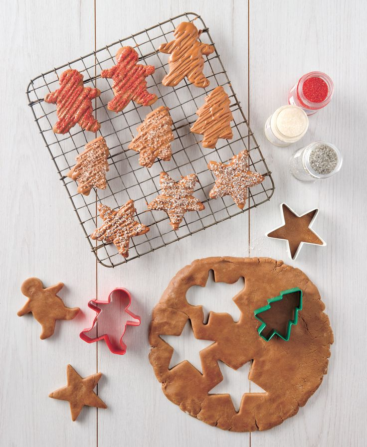 This delicious #Chocolate Gingerbread is great fun to make with the kids these holidays.  The recipe is available exclusively in our Christmas Cooking #Gift Tin which comes with #premium milk and dark chocolate for baking, two recipe cards and three #Christmas cookie cutters.  Now available at a special promotional price of $34.95 for a limited time. http://bit.ly/1BzWXmz