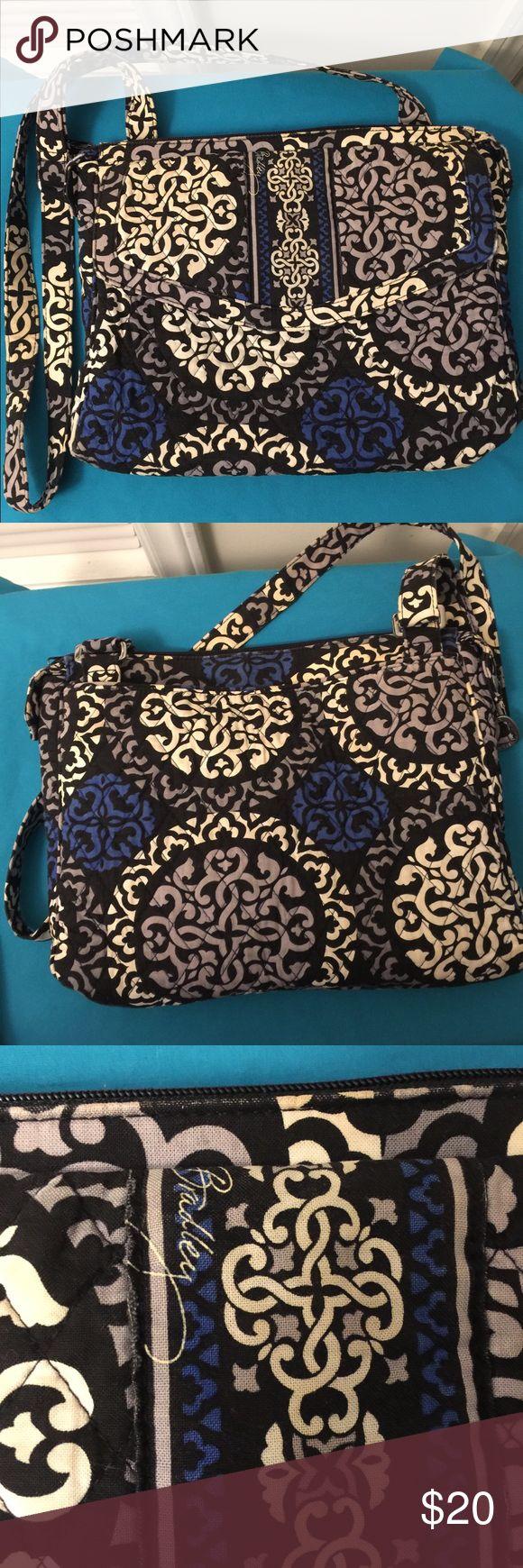 Vera Bradley handbag Vera Bradley handbag used good condition Vera Bradley Bags Shoulder Bags
