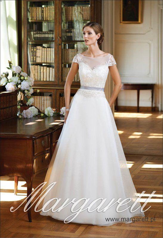 Suknia ślubna firmy Margarett model Fila cena 2100 zł szyta na miarę lub w standardowym rozmiarze dostępna http://www.juliacollection.eu/