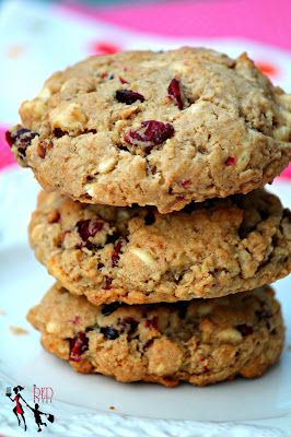 Insanely Good White Chocolate Chunk & Cranberry Oatmeal Cookies EVEN ...