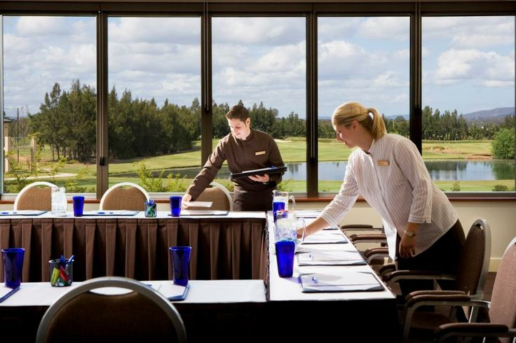 The Verdelho room is a medium sized meeting room featuring an abundance of natural light.