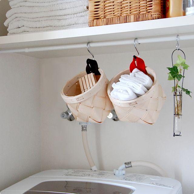 フックに吊るして使うことができるので、スペースに限りのある、ランドリー周りにも最適。