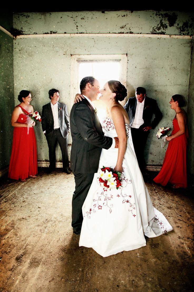 Wheatbelt WA wedding photographer, farm wedding, old cottage, wedding photos, red white and charcoal wedding colours