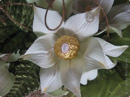 Вот такой букет из белых лилий выполнен на заказ ко Дню Учителя. фото 3