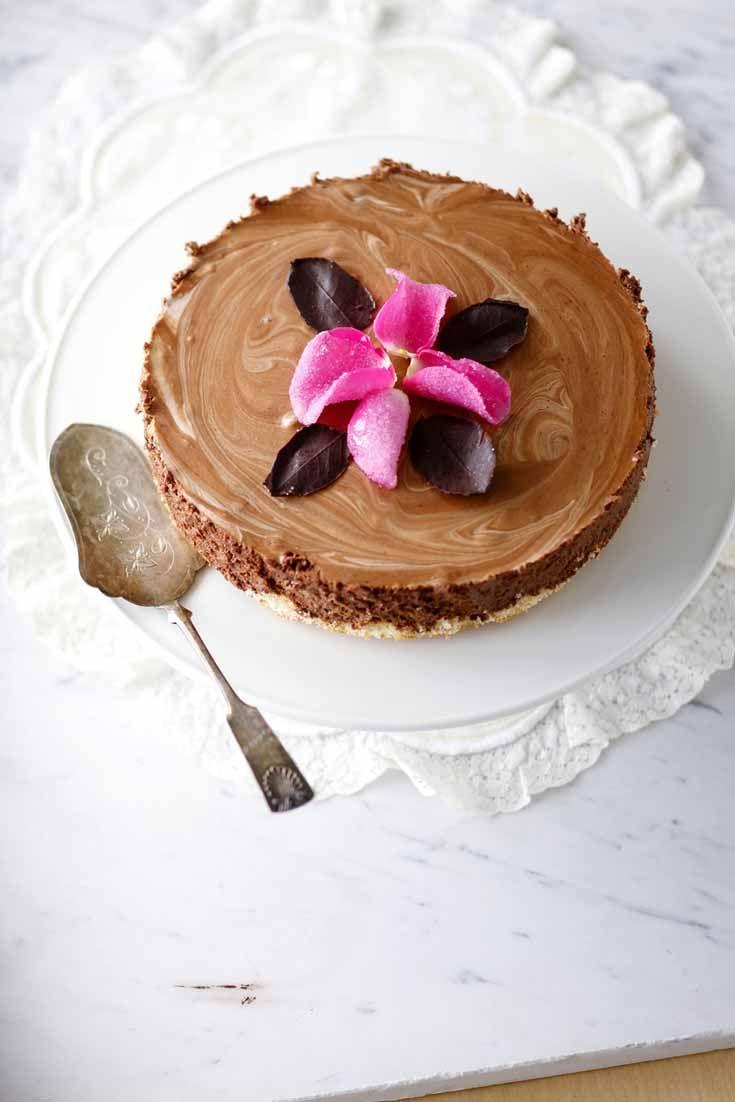 Chocolate mousse cake Story: Juulia Reinikka Photo: Joonas Vuorinen Kotivinkki 19/2013 www.kotivinkki.fi