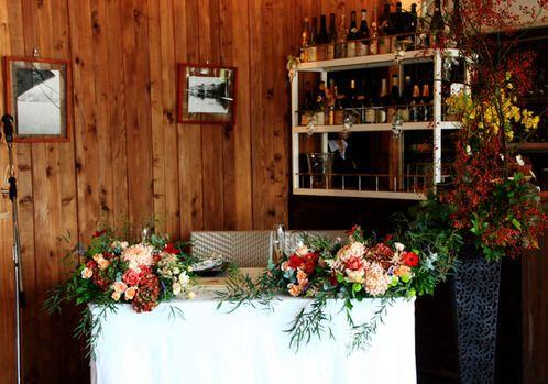 アンティークシックな小花で~水辺のカフェのウェディング