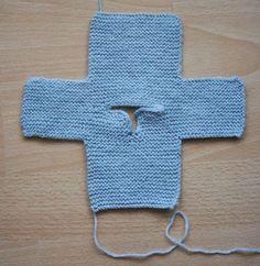 Tout droit sorti des années 70, le bon vieux pull tube au point mousse ! Il se tricote en un seul morceau. Laine utilisée : Part...