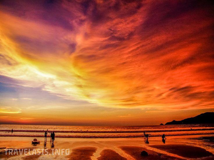 Закат на пляже Ката, Пхукет, Таиланд