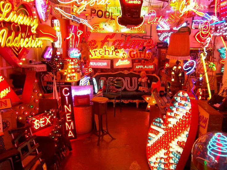 neon light artist london
