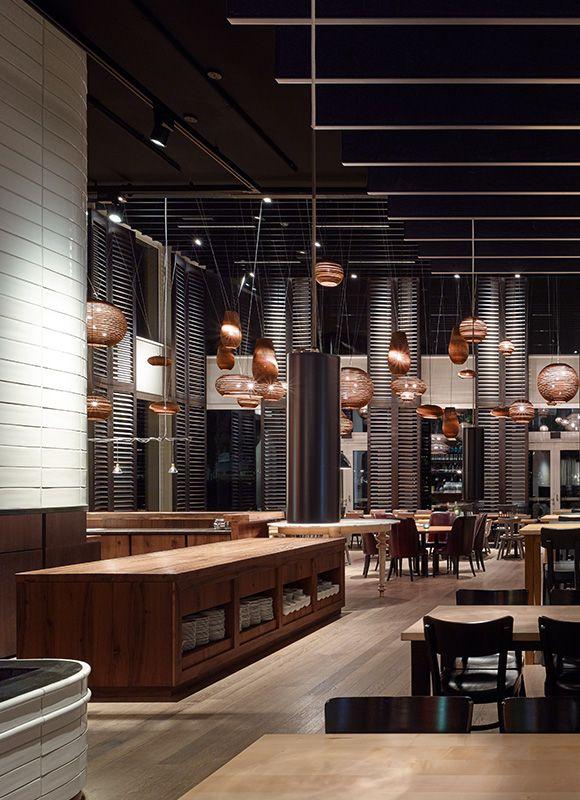 Motel One München – »Campus Restaurant«, München. Ein Projekt von Ippolito Fleitz Group – Identity Architects, Oberflächen.