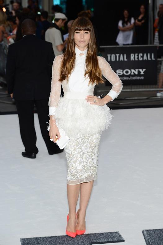 Икона стиля: Джессика Бил / Модный блог / Мода / Женский журнал Glamour