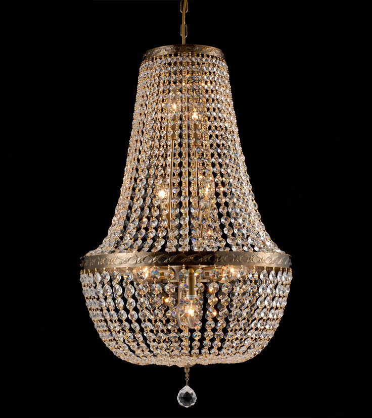 Victoria chandelier  Krystallkrone Lysekrone Lampemagasinet