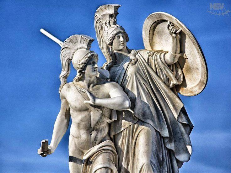 Οι ένοπλες δυνάμεις που υπερασπίζονται το έθνος των Ελλήνων έχουν για προστάτη ένα πρόσωπο που μισεί τα έθνη και την ένοπλη άμυνα. Πόσο παραλογισμό μπορεί να αντέξει αυτό το θολωμένο μυαλό του νεοέλληνα; Διαβάστε: http://iliastpromitheas.blogspot.gr/2017/11/blog-post_22.html