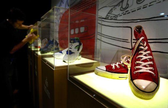 Artikel: Rode sneakers - goed voor je professionele uitstraling (wist ik natuurlijk allang!;-)). #sneakers
