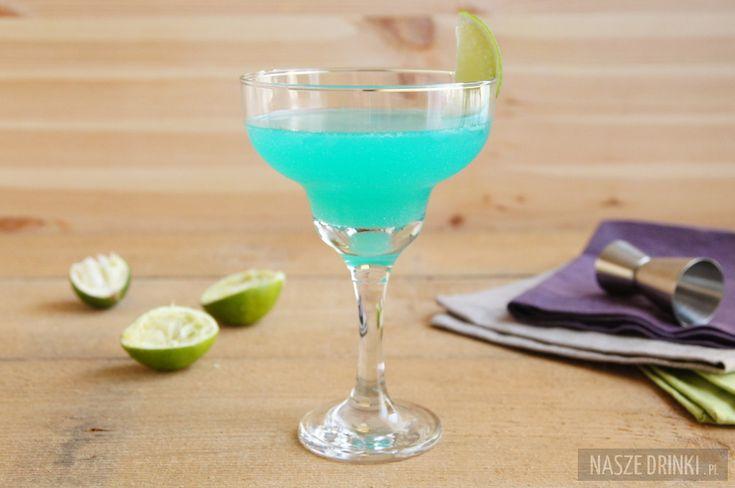 Blue Margarita (Niebieska Margarita) jest koktajlem o ładnym niebieskim kolorze, który powstaje dzięki użyciu likieru blue curacao.