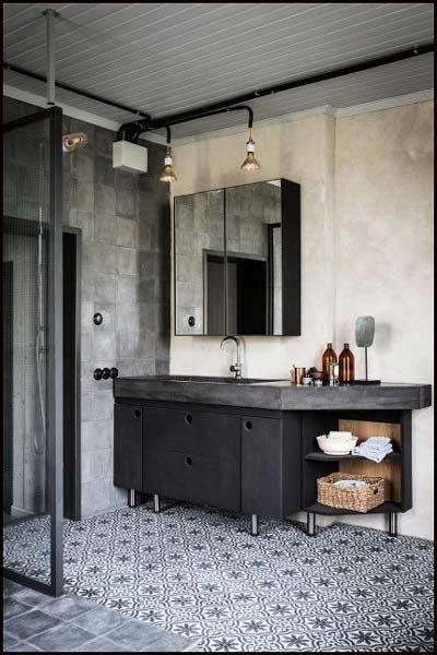 2 commodes en zinc + planche en bois + lavabo en porcelaine